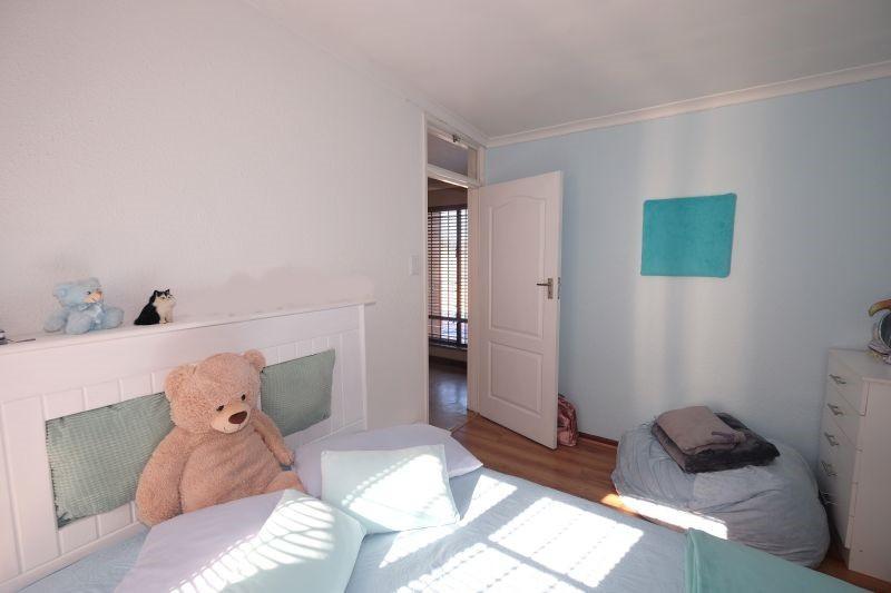 Property For Sale in La Rochelle, Bellville 11