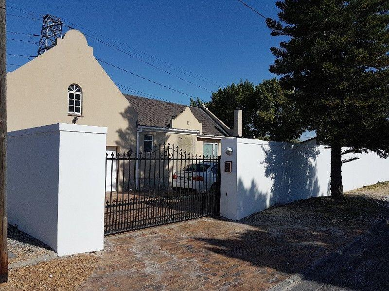 Property For Sale in Oakglen, Bellville 5