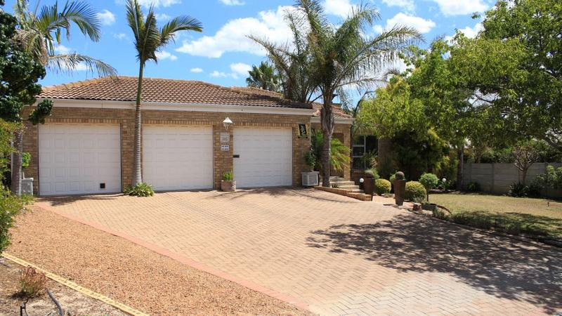 Property For Sale in The Crest, Durbanville 2