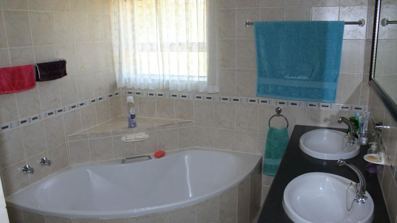 House For Sale in The Crest, Durbanville