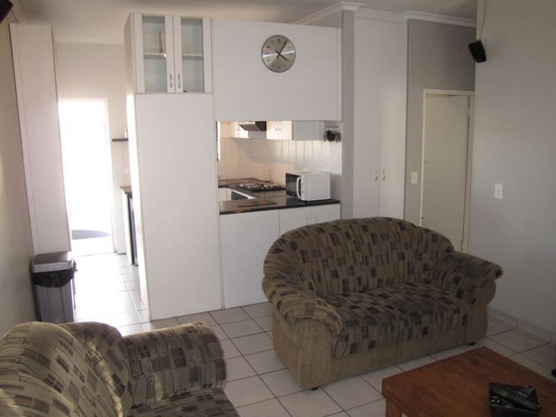 Apartment / Flat For Sale in Oakglen, Bellville