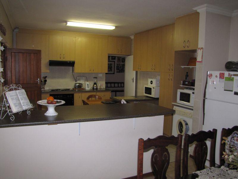 Property For Rent in Blomtuin, Bellville 6