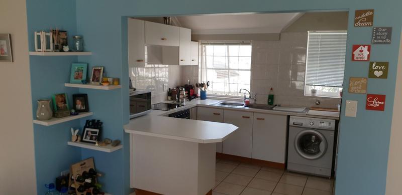 Apartment / Flat For Rent in Aurora, Durbanville