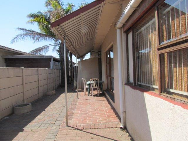 Property For Sale in Peerless Park East, Kraaifontein 11