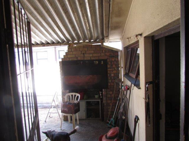 Property For Sale in Peerless Park East, Kraaifontein 10