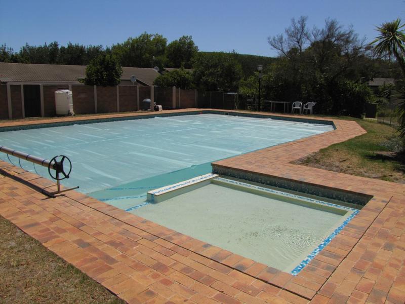 Property For Rent in De Bron, Durbanville 13