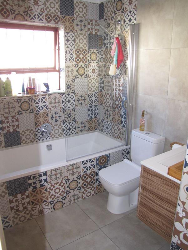Property For Rent in De La Haye, Bellville 7