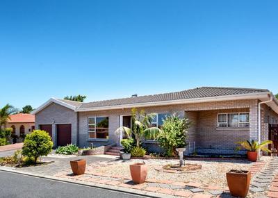 Property For Rent in Blommendal, Bellville