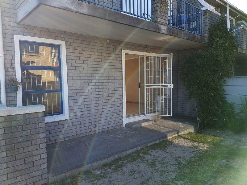Property For Rent in Oakglen, Bellville 14