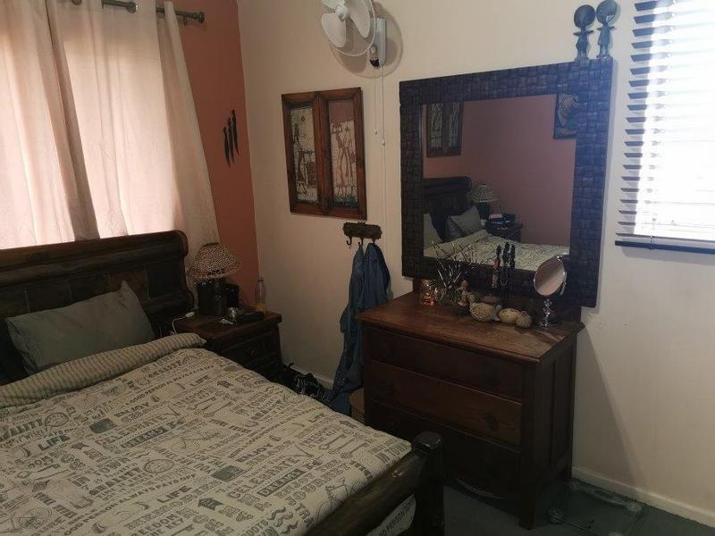 Property For Sale in Oakglen, Bellville 11