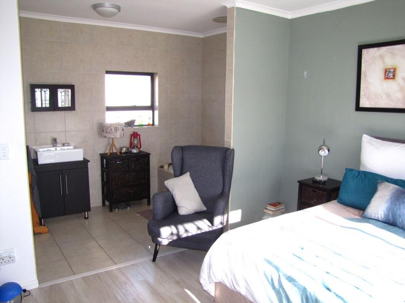 Property For Rent in Burgundy Estate, Milnerton 10