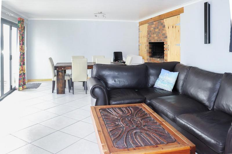 Property For Sale in Pearly Beach, Gansbaai 9