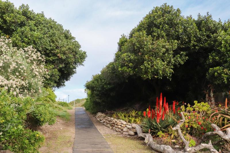 Property For Sale in Pearly Beach, Gansbaai 13