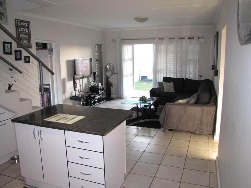 Property For Rent in Viking Village, Kraaifontein 3