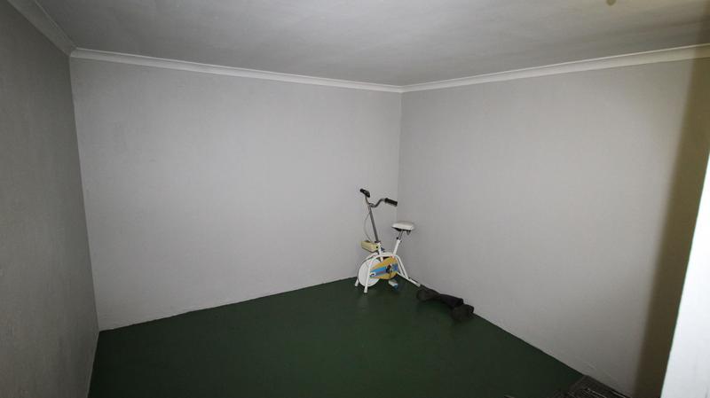 Property For Sale in Parow, Parow 15