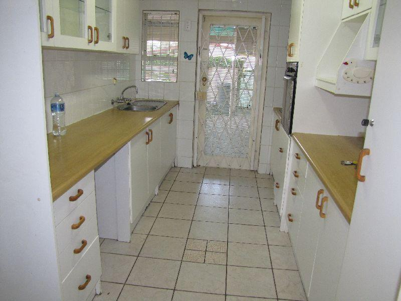 Property For Rent in Oakdale Estate, Bellville 4