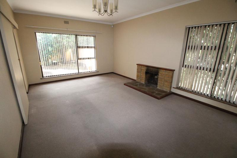 Property For Rent in Oakglen, Bellville 4