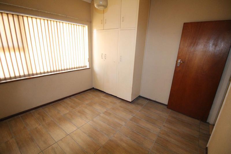 Property For Rent in Oakglen, Bellville 9