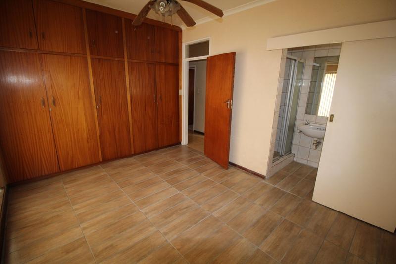 Property For Rent in Oakglen, Bellville 13