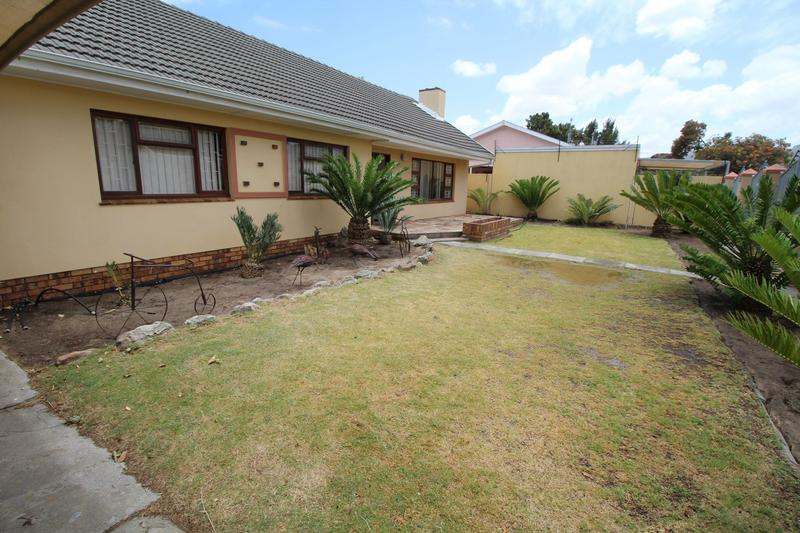 Property For Rent in Monte Vista, Goodwood 2