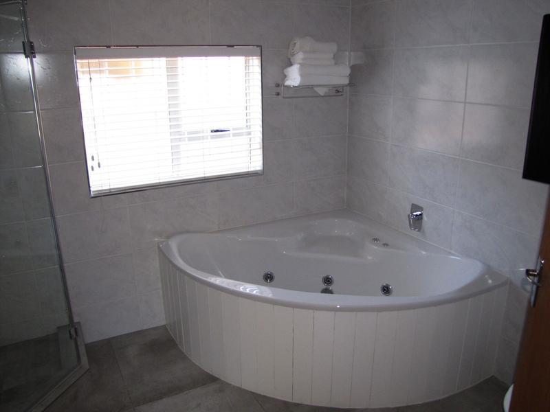 House For Rent in Blommendal, Bellville