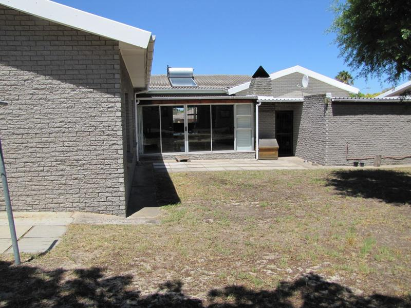 Property For Rent in Blommendal, Bellville 14