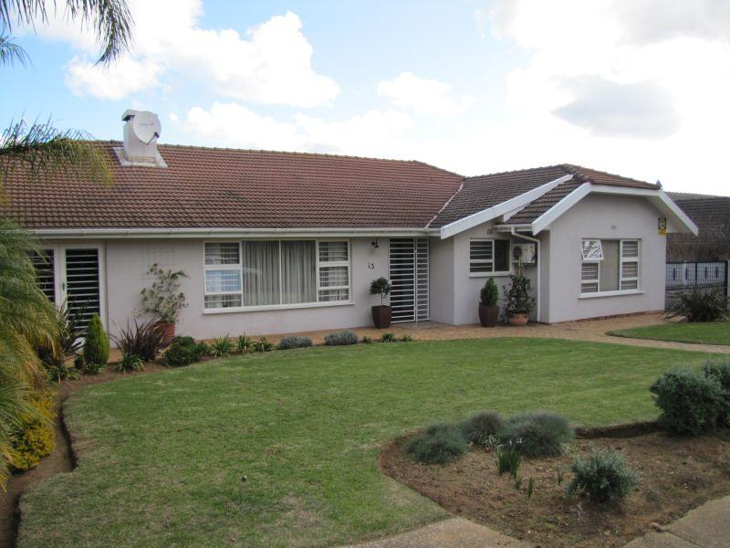 Property For Rent in Blomtuin, Bellville 2