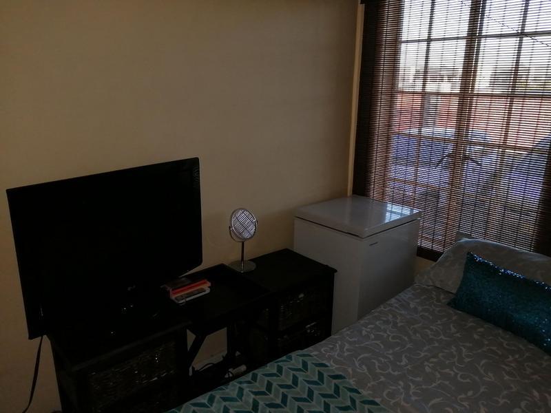 Property For Rent in Oakglen, Bellville 12