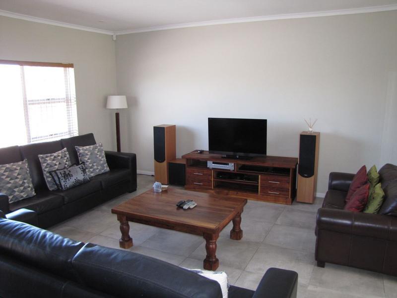 Property For Rent in Blommendal, Bellville 2