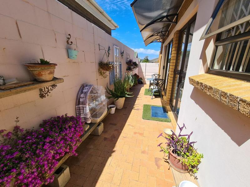 Property For Sale in Durbanville, Durbanville 24