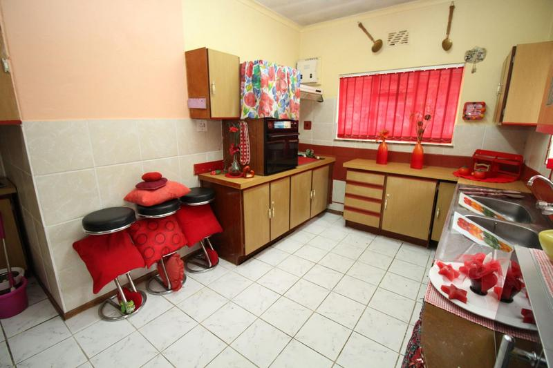 Property For Sale in Churchill Estate, Parow 12