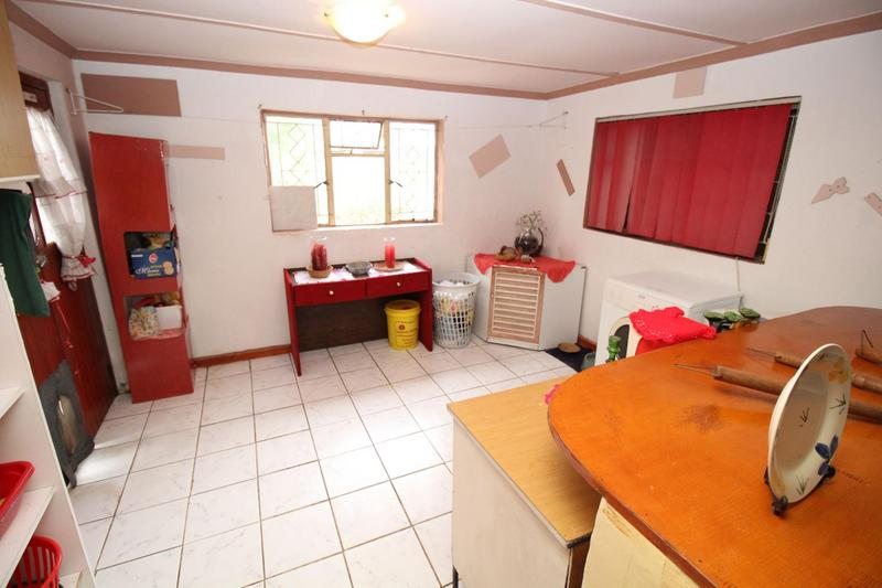 Property For Sale in Churchill Estate, Parow 14
