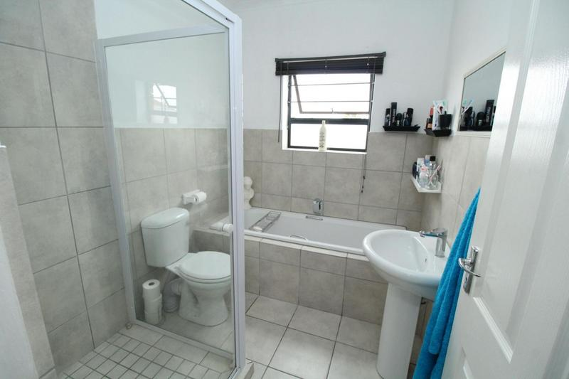 Property For Sale in Viking Village, Kraaifontein 9