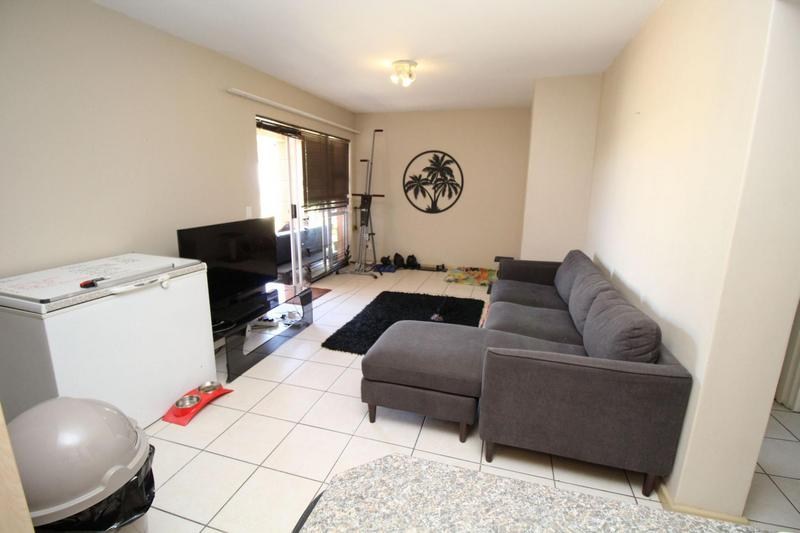 Property For Rent in D'Urbanvale, Cape Town 3