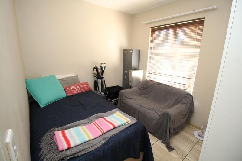 Property For Rent in D'Urbanvale, Cape Town 7