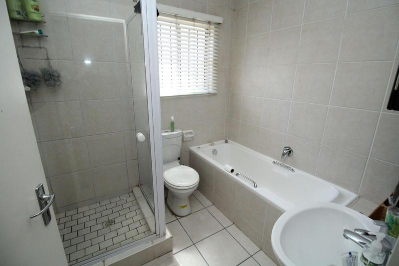 Property For Rent in D'Urbanvale, Cape Town 6
