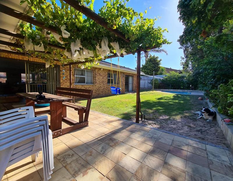 Property For Sale in Blommendal, Bellville 19