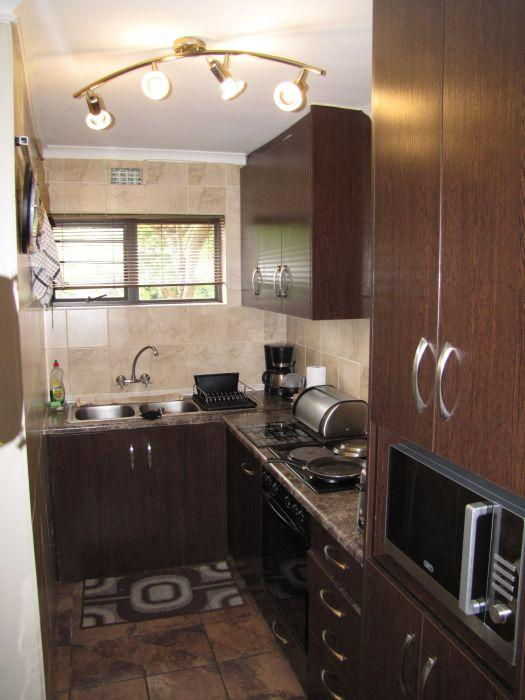 Apartment / Flat For Rent in Groenvallei, Bellville
