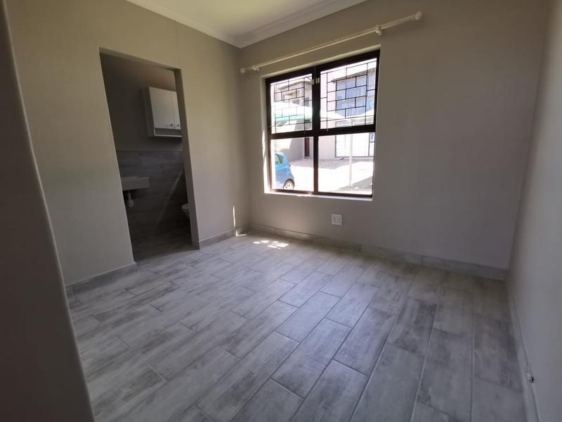 Property For Rent in Loevenstein, Bellville 5