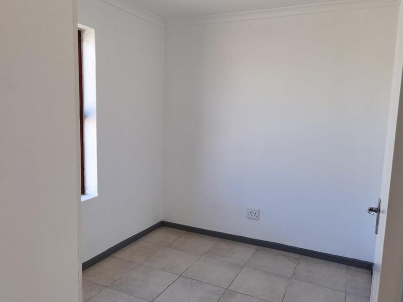 Property For Rent in Protea Village, Brackenfell 9