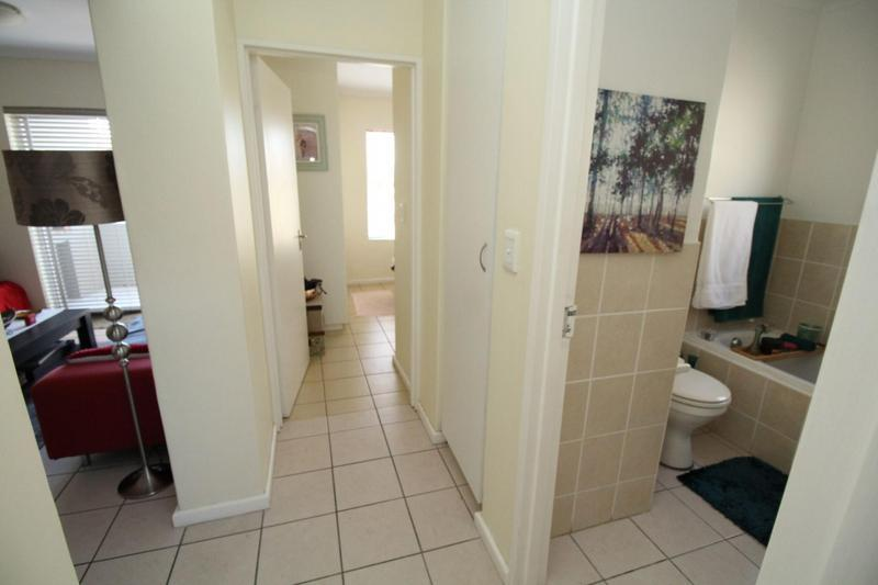 Property For Rent in Uitzicht, Kraaifontein 13