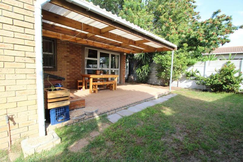 Property For Sale in Oakglen, Bellville 17