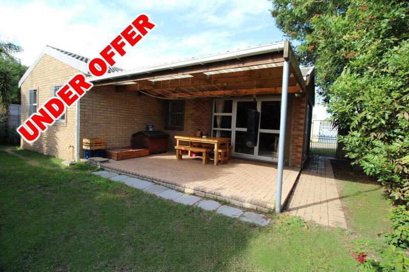 Property For Sale in Oakglen, Bellville 18