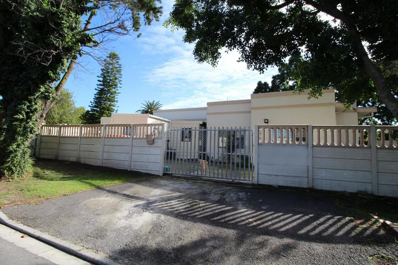 House For Sale in Vredenberg, Bellville