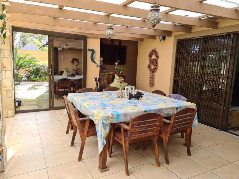 House For Sale in Blommendal, Bellville