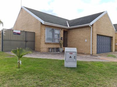 Townhouse For Sale in Blommendal, Bellville