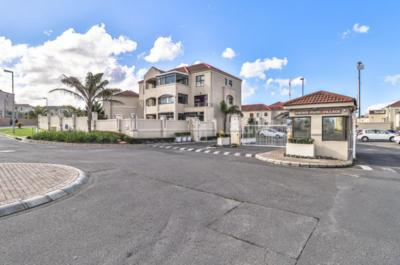 Apartment / Flat For Rent in Vredekloof Heights, Brackenfell