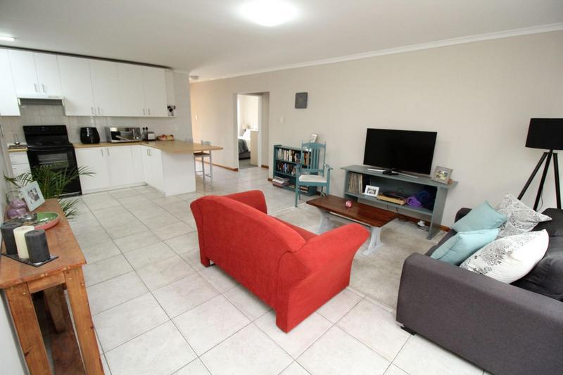 Property For Sale in Blommendal, Bellville 3