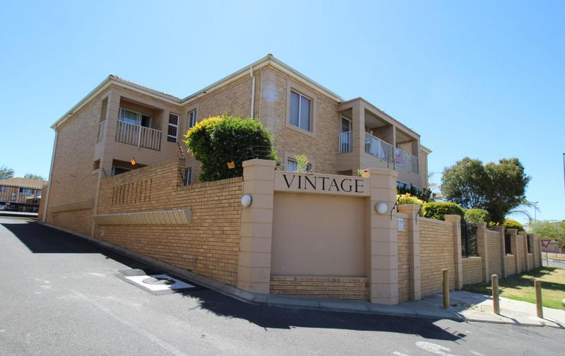 Property For Rent in D'Urbanvale, Cape Town 2