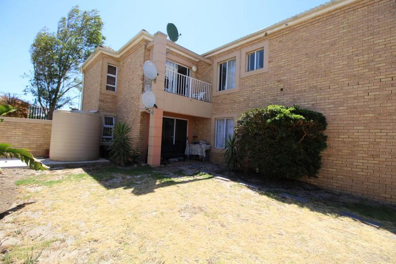 Property For Rent in D'Urbanvale, Cape Town 10